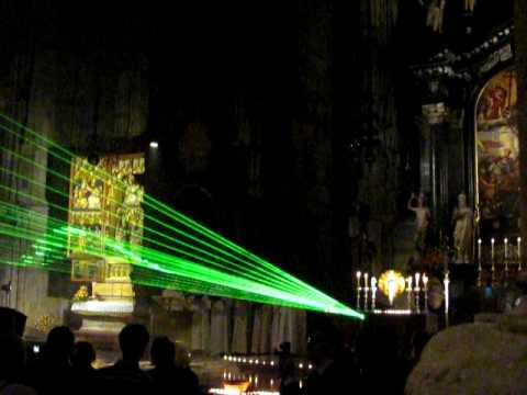 Gregorian Chant at Stephansdom (with laser)