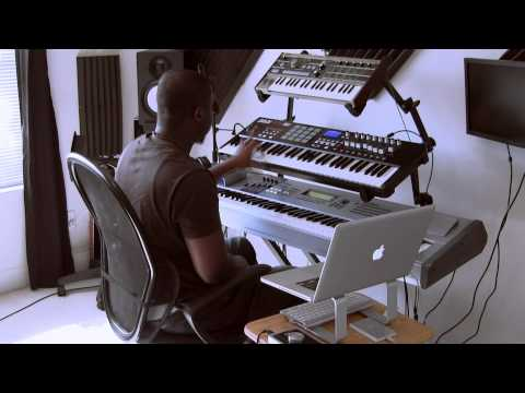 Music Producer Mike Kalombo Makes Beat