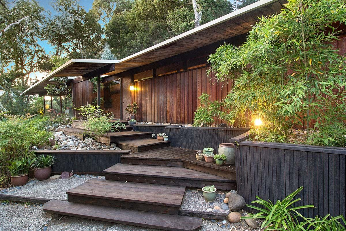 Roger Lee MCM rarity in Orinda - First Time on the Market!