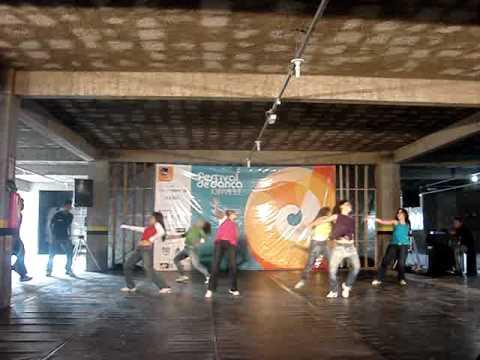 COMRUA - COMPANHIA DE DANÇA DE RUA DE NITERÓI - 28º Festival de Dança de Joinville