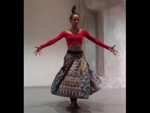 Le corps devient un instrument musicale /solo Monk_Spectacle Fóli/Caroline Pagnano