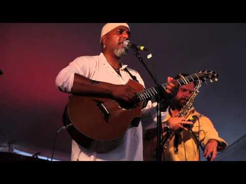 Tom Prasada-Rao@Sisters Folk Festival 2009