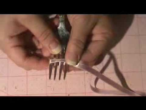 FUN WAY TO TIE A BOW WITH FORK