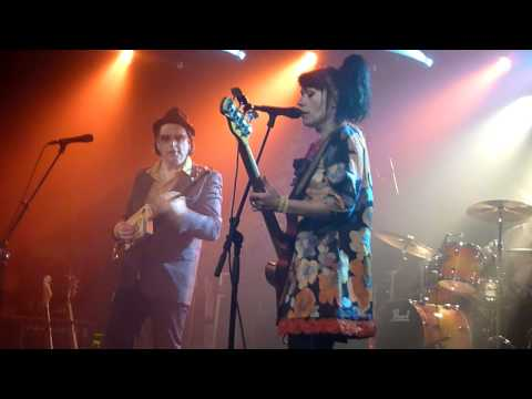 "Honey B and the T-Bones ""My Babe / This Train"" live @ Virgin Oil 29.7.2011"