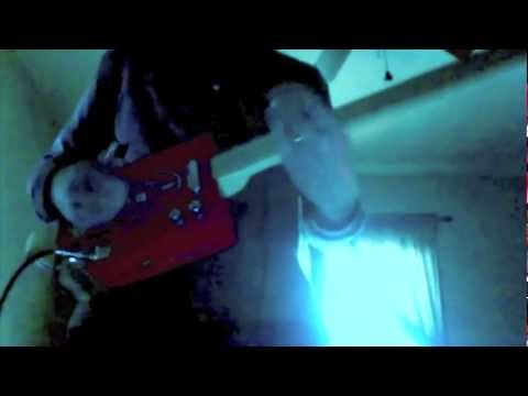 """Nothing On My Shoulders But The Ceiling""(instrumental by Barry Potter) Cigar Box Guitar Rockin'"
