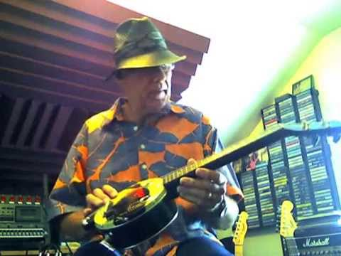 Tin Can Tenor Ukulele Demo