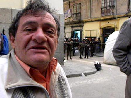 Camilo Bianchi y el reclamo de discapacitados en La Paz, Bolivia