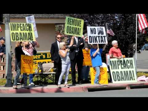 Impeach Obama Now Protest at Fundraiser in La Jolla (May 2014)