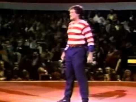 Robin Williams as the American Flag