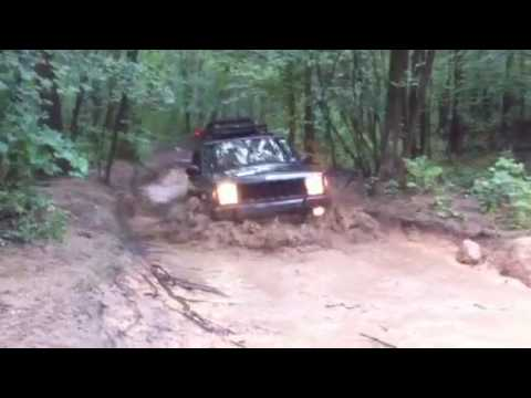 Chris E. Takes His XJ for a Dip at R.C.
