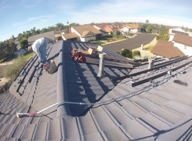 SolarTimelapse of Roof Installation, Chateau Rondel