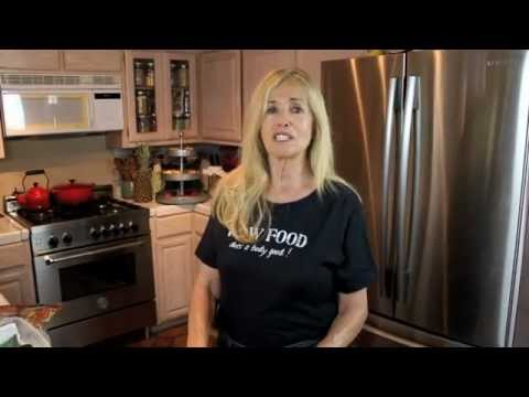 Mimi Kirk's Easy Cheezy Kale Chips