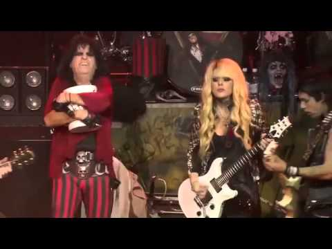 Alice Cooper with Orianthi - Caffeine live 2012