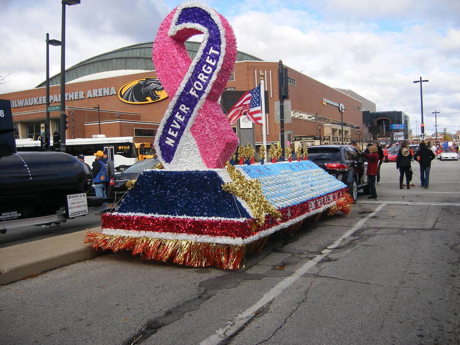 2014 Veterans Parade and Wall of Honor