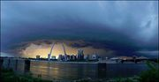 Capture St Louis shelf cloud
