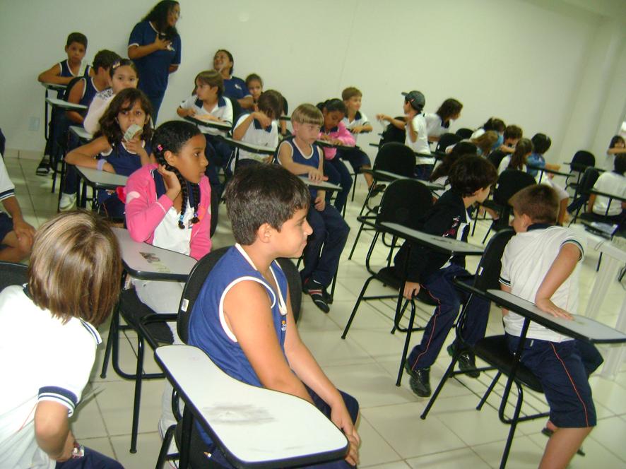 Exposição Oficina AHE Jirau na Escola Einstein