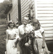 Marjie-Daddy-Georgia_in_Knoxville-1956