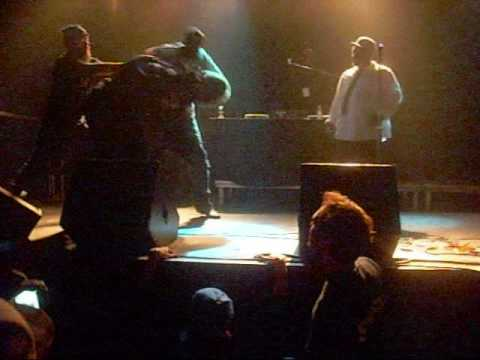 BRAWL AT THE TWIN CITYS HIPHOP AWARDS SHOW !!!