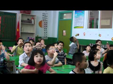 """Beatles """"Hello-Goodbye"""" in China Primary English Class"""