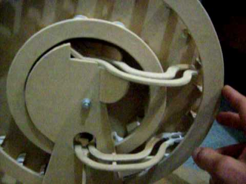 GRAVITY WHEEL - PERPETUAL MOTION / First attempt not working yet. . . . . . .