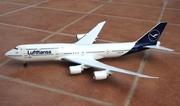 Risesoon 1:200 Lufthansa B747-8i