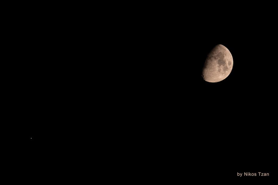 Jupiter close to the Moon