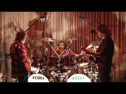 Lee Ritenour & Mike Stern - Smoke 'n' Mirrors - Feat. The Freeway Band [Live at Blue Note Tokio]