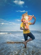 Selfie Pose like Ganesha