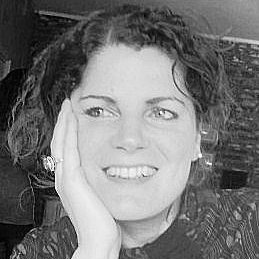 Yvonne Pluk