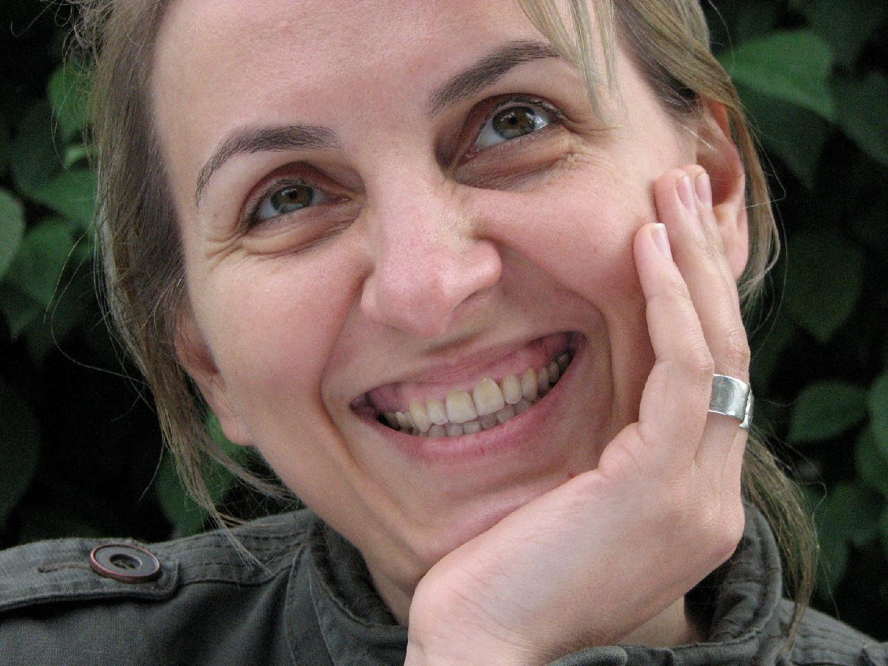 Adina  Paula Borta