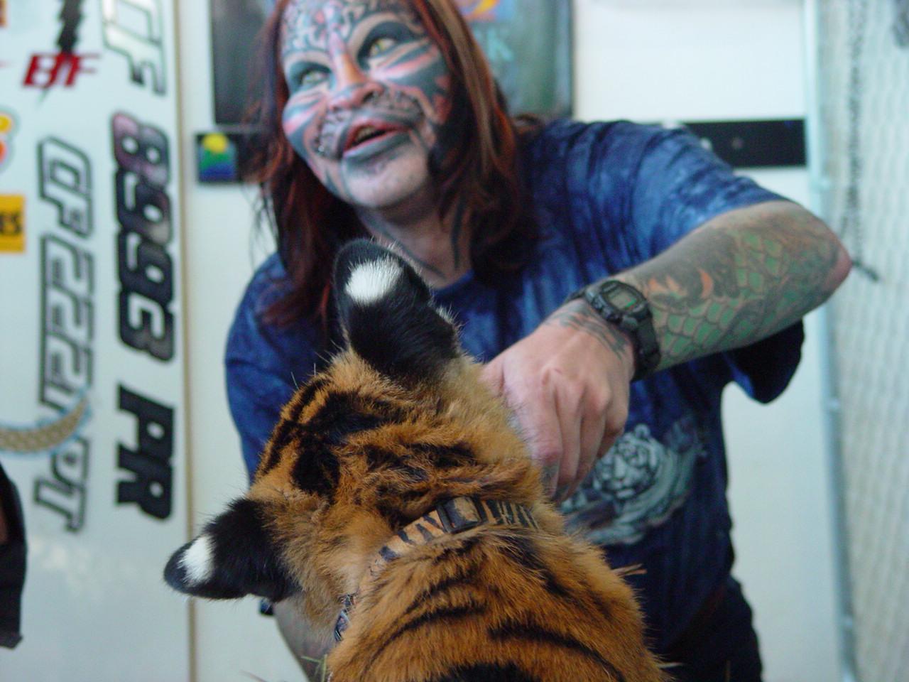 Dennis Cat Avner