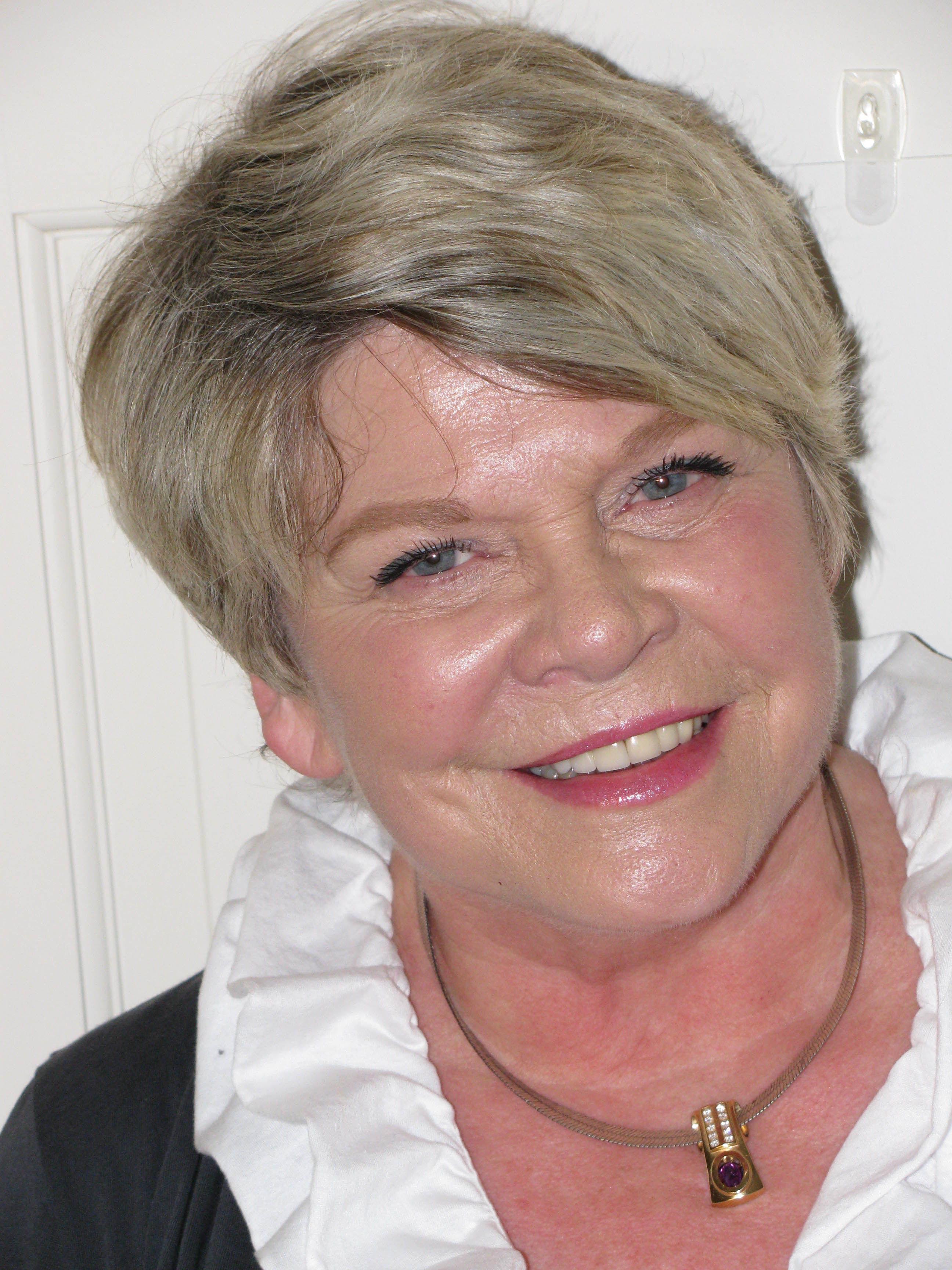Jeanne Lennox Hillman