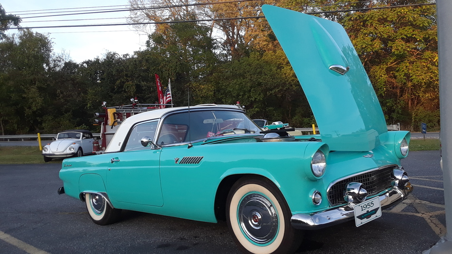Capital City Cruisers October 2019 Cruise 1955 Ford Thunderbird