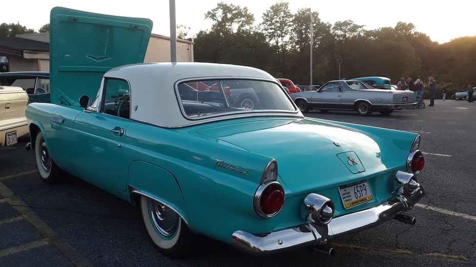 Capital City Cruisers October 2019 Cruise 1955 Ford Thunderbird