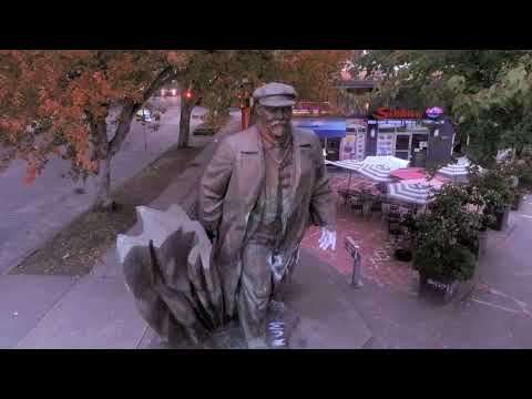 SEATTLE HAS A STATUE OF LENIN!