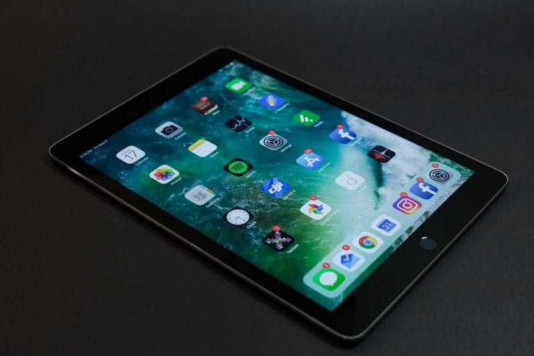 What is Best Tablet for a Beginner – Android or iOS?