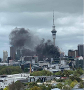 Giant fire shakes Auckland city