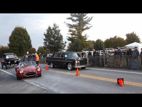 Watching the Cars Drive Onto the Show Field  5  2019 AACA Fall Meet, Hershey