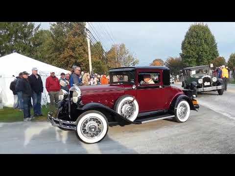 Watching the Cars Drive Onto the Show Field  6  2019 AACA Fall Meet Hershey