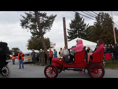 Watching the Cars Drive Onto the Show Field  11  2019 AACA Fall Meet, Hershey