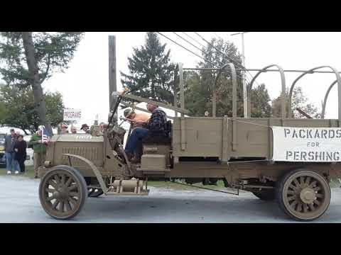 Watching the Cars Drive Onto the Show Field  15  2019 AACA Fall Meet, Hershey