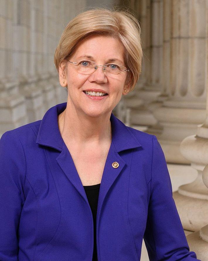 Elizabeth_Warren,_official_portrait,_114th_Congress