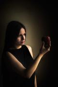 Το κορίτσι με το μήλο