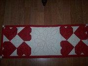 \Valentine Table Runner