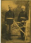Отляво моя дядо Сава в руската армия