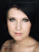 Evening Makeup: Gold with Green Flecks