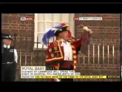 Kate Middleton Prince Celebration Buckingham Palace Officials Town Crier Announces Royal Birth