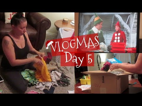 Chill Day | Laundry | Christmas Movies | VLOGMAS Day 5