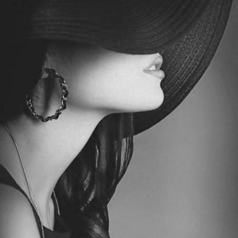 Стройная брюнетка(Elena)