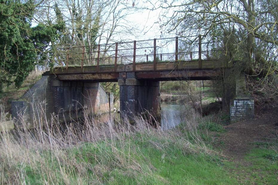 D16478 SMJ Bridge over River Tove @ Towcester 23.3.19